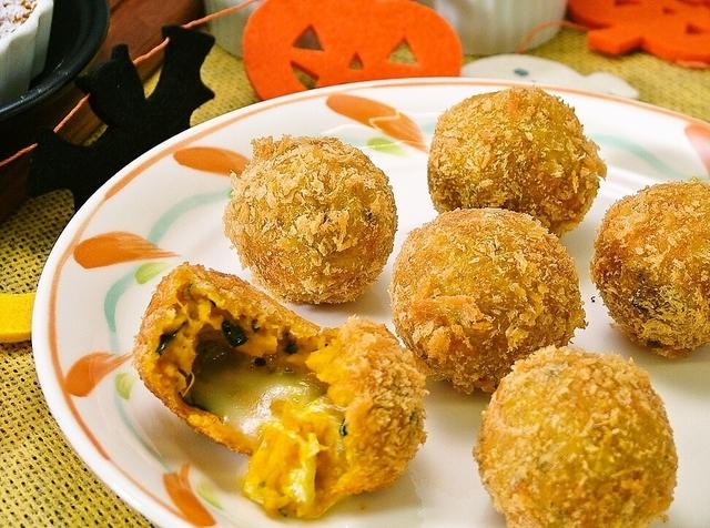 [土曜はナニする]コンビニアレンジ・かぼちゃコロッケレシピ!